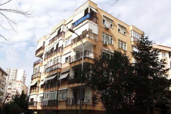 Damla Apartmanı 1982