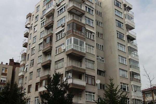 LEzgi Apartmanı 1977